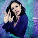 Videoclip oficial de Lejos de Daniela Carpio